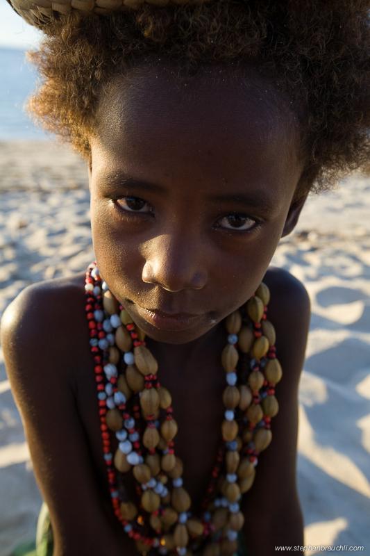 Anakao - Vezo girl sells beads