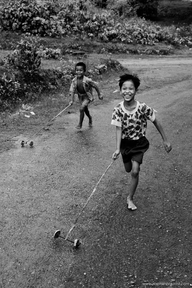 Boys playing - Mrauk U